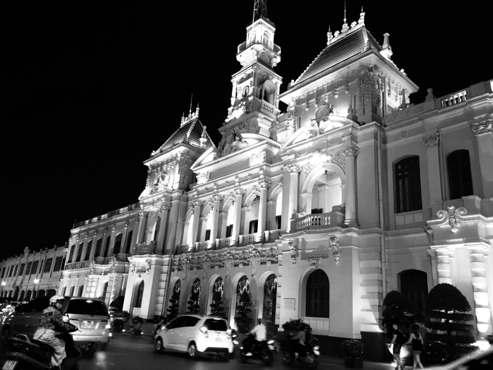 french-colonial-style-ubnd-thanh-pho
